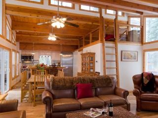 Luxury Family Cabin - 2 Blocks from the Beach - Carnelian Bay vacation rentals