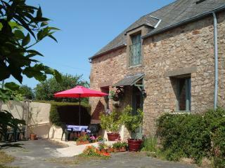 Longere du Bois - Saint-Aubin-de-Terregatte vacation rentals