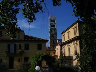Cozy apartment in the centre of historical Lucca - Lucca vacation rentals