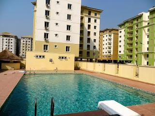 PLUSH 4 BDRMS SHORT LET @ SAFE COURT LEKKI LAGOS - Lekki vacation rentals
