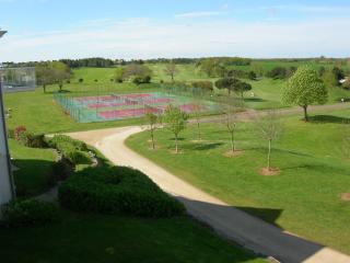 Vendée golf course apartment - Vendee vacation rentals