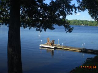 Quaint Cottage on a Lovely Waterfront Property, cl - Haliburton vacation rentals
