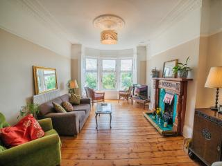 Award Winning Wonderful 3 Bed Apartment! - Glasgow vacation rentals