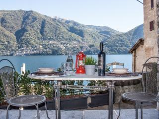 Charming with private garden - Brienno vacation rentals