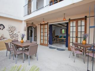 Casa Tempranillo at 40 min Barcelona - Fores vacation rentals
