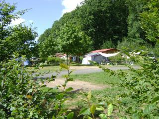 CAMPING PORTES DU MORVAN - Issy-l'Eveque vacation rentals