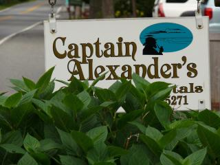 Captain's Quarters @ Captain Alexander's Hideaway - Cape Cod vacation rentals