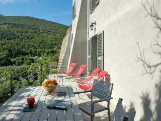CHARMING HOUSE SEA VIEW - Luri vacation rentals