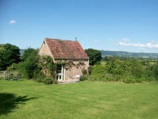 Romantic, peaceful rural retreat - Ian's Cottage - Wedmore vacation rentals