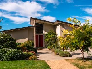 Red Door on Willowridge - Wanaka vacation rentals