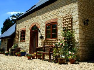Jasmine Cottage - Gloucester vacation rentals