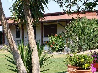 Villa Parco Fiorito, OVEST - Torre San Giovanni vacation rentals
