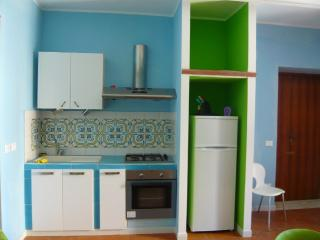 Appartamento al mare x 5 - Cosenza vacation rentals