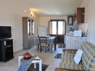 CR100AVO - APPARTAMENTO IN VILLA BIFAMILIARE/ PERLA DEL MAR I - Sicily vacation rentals