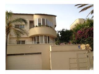 Luxury villa near Mediterranean, Herzylia Pittuach - Herzlia vacation rentals