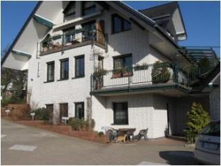 B2 Bergisch Gladbach Moitzfeld - Dahlhaus vacation rentals