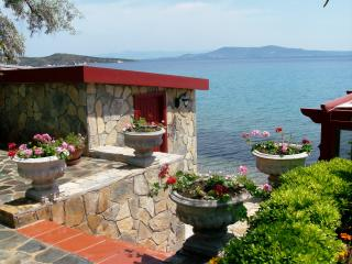 TURQUISE AGEAN BEACH HOUSE - Mordogan vacation rentals