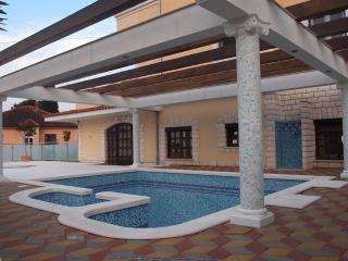 Apartment Matea -Villa Klaudia - Okrug Gornji vacation rentals