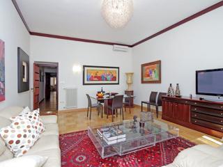 PIAZZA DI SPAGNA 19 : 3BR/2BA - Rome vacation rentals