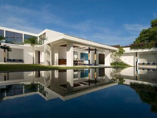 Aqua, Luxury++ 4 bed Seminyak, Close to Beach - Seminyak vacation rentals