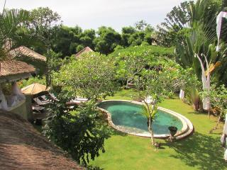 Ki, Luxury 5 Bed feat. Gardens, Near Seminyak - Seminyak vacation rentals