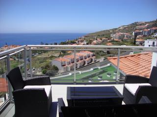 Luxury Quiet Sea View Côte Atlantique - Caniço de Baixo - Canico vacation rentals