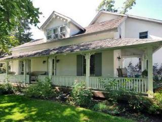 Spacious Cottage Direct Waterfront - Beaverton vacation rentals