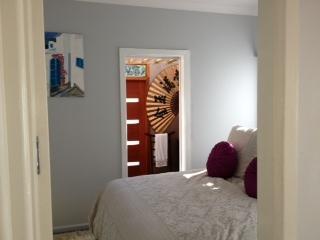 sydney executive garden apartment - Albury vacation rentals
