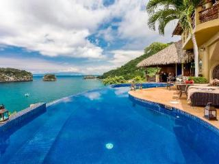 Los Arcos with oceanfront terrace, saltwater infinity pool, infrared sauna - Mismaloya vacation rentals