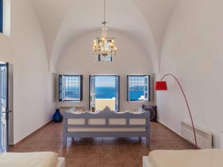 Astraea House Sleeps 8 - Fira vacation rentals