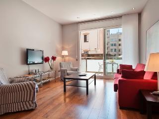 Passeig de Gracia - 1 bedroom apt with balcony - Barcelona vacation rentals