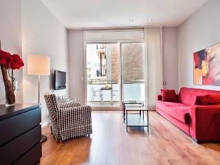 Passeig de Gracia - 2 bedroom apt with balcony - Barcelona vacation rentals