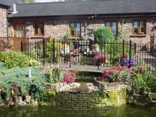 ASH AT USK COUNTRY COTTAGES - Usk vacation rentals