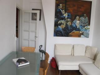 Charming 2 Room Apartment Center Near Bastille - Paris vacation rentals