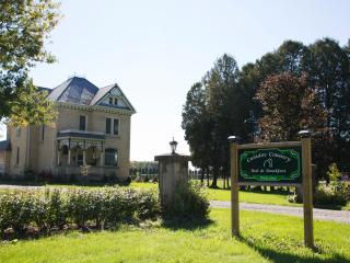 Caradoc Country Bed & Breakfast - London vacation rentals