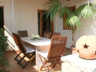 Casa con preciosas vistas - Selva vacation rentals