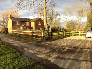 Forty Green Farm Cottage - Princes Risborough vacation rentals