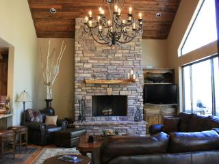 Elegant Torreon Mountain Home with Golf Views! - Show Low vacation rentals