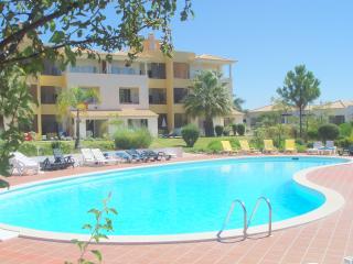 Vilamoura Apartment with Free WIFI, Sky TV/Sports - Vilamoura vacation rentals