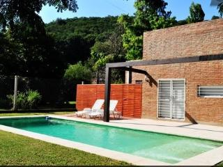 HOUSE IN THE MOUNTAINS AIRPORT - Cordoba vacation rentals