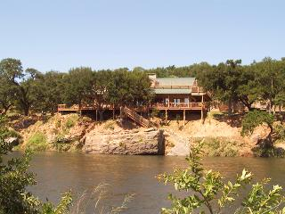 Dale River Ranch: Possum Kingdom Lake ON THE RIVER - Palo Pinto vacation rentals
