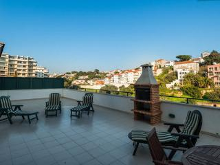 Cascais sunny terrace apartment - Cascais vacation rentals