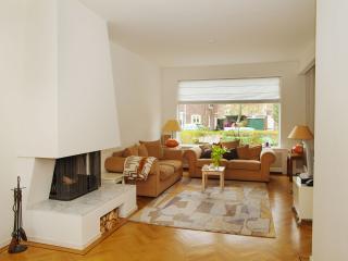 Luxury familyhouse near beach - The Hague vacation rentals