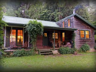 Red Dog Retreat - Kangaroo Valley vacation rentals
