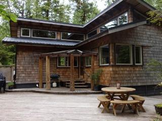 Tofino Tree House - Tofino vacation rentals