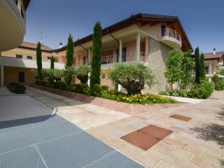 Titus F4 - 3544 - Sirmione - Sirmione vacation rentals