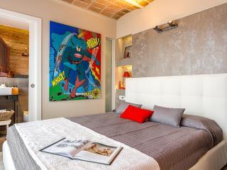 Penthouse Vintage Suite with terrace (5.3) - Barcelona vacation rentals