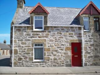 Clavie Cottage - Sea views over the Moray Firth - Burghead vacation rentals