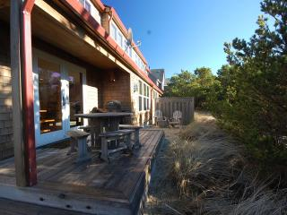 Family friendly (pets too)! Immediate beach access - Pacific City vacation rentals