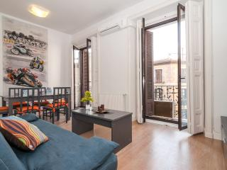 Aparment center historic Mayor/ Sol 3 bedrooms balcony - Madrid vacation rentals